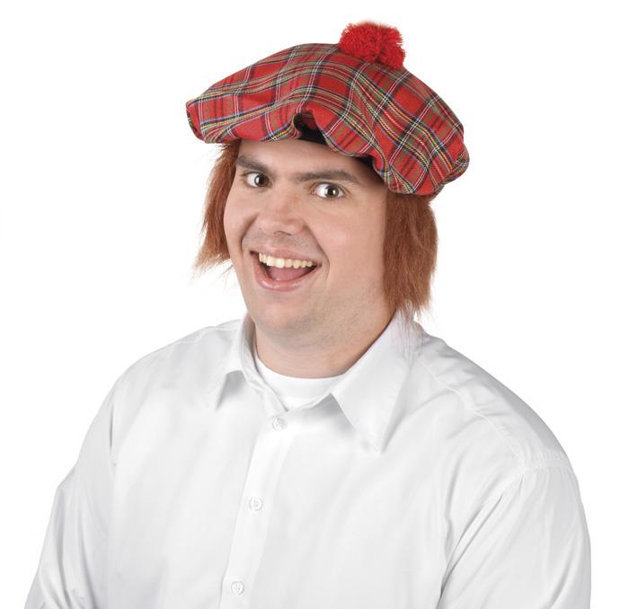 skotin kiltin kanssa hattu