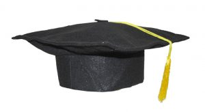 musta yliopisto päähine